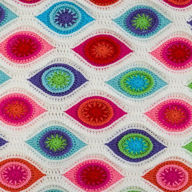 Crochet Blanket / Throw Free Pattern, Retro Ornament Blanket