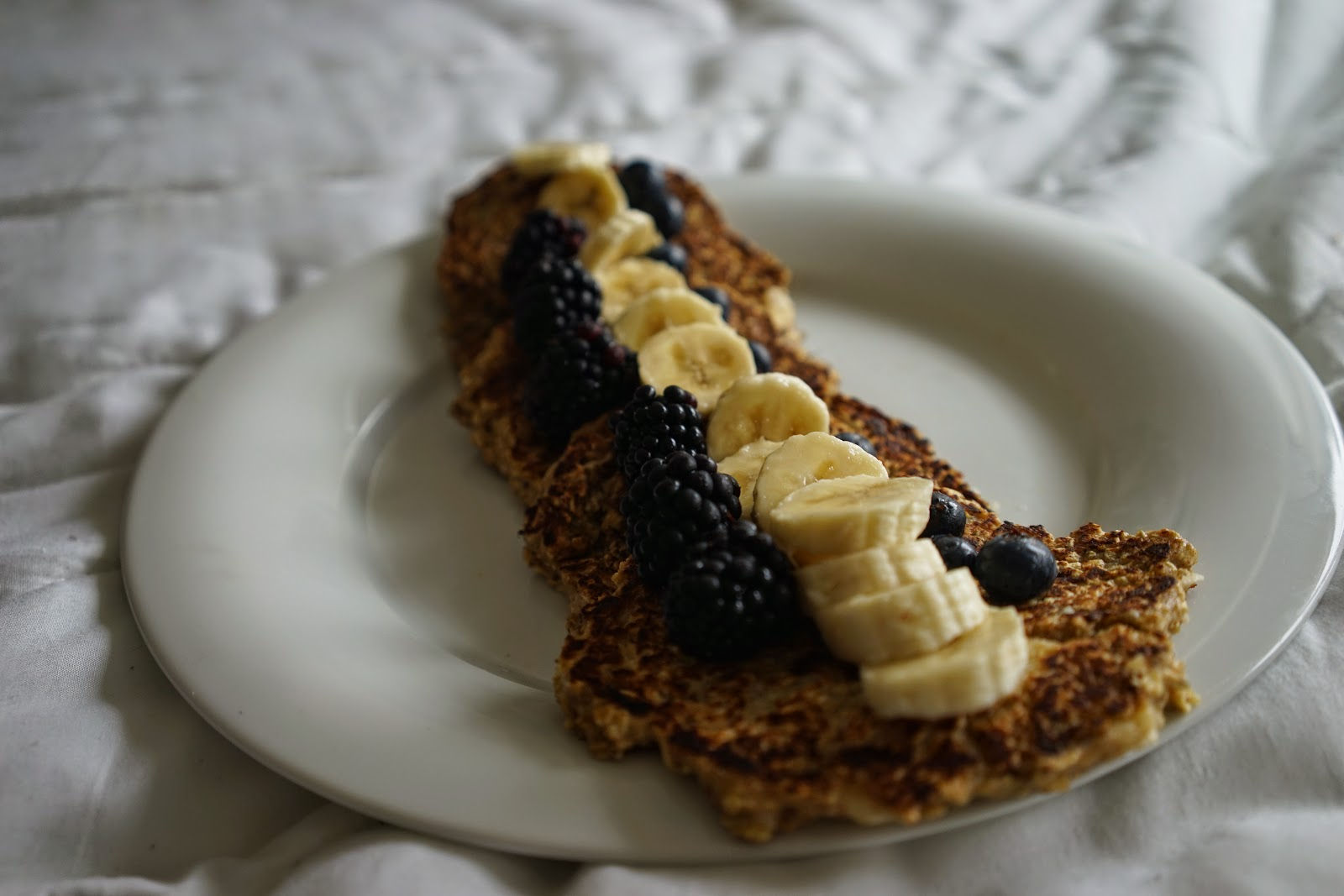 Healthy, Easy Blueberry and Banana Pancakes