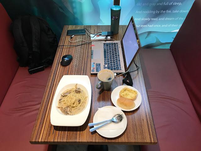 [新北市•新店區•大坪林] 島隅咖啡場所:對游牧網民友善的咖啡館,有簡餐、免費網路、電源、不限時間(勝勝勝!!!)