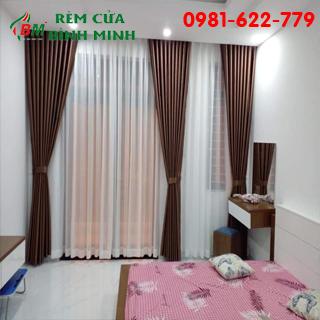 Rèm màu nâu,chất vải đẹp chống nắng cho phòng ngủ và phòng khách.