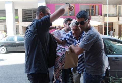 Ανατροπή βόμβα στην τραγωδία της Αίγινας! Δεν οδηγούσε ο 77χρονος που φέρεται ως κατηγορούμενος; (VIDEO)