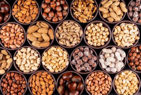 The benefits of nuts. Heart-friendly.