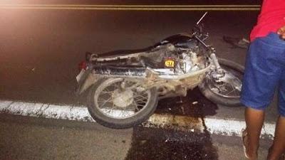 Homem esfaqueia mulher e morre em acidente na BA 052 durante a fuga