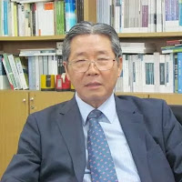 Professor emeritus Ri Jang Hui