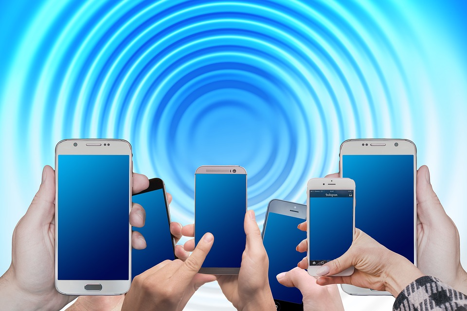What is a Mobile Phone Booster and How Does It Work? - Questechie