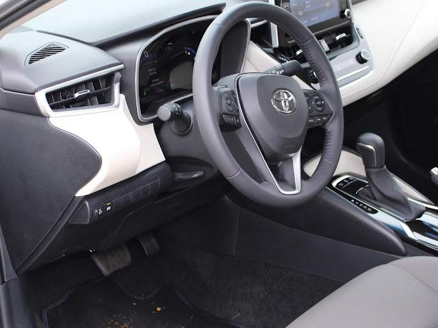 Novo Corolla 2020 Híbrido - posição de dirigir