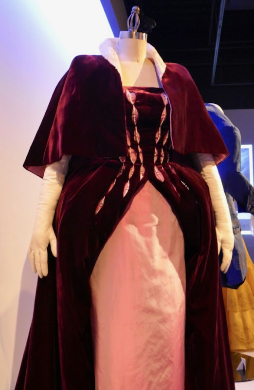 Phantom Thread Countess Henrietta Harding film costume