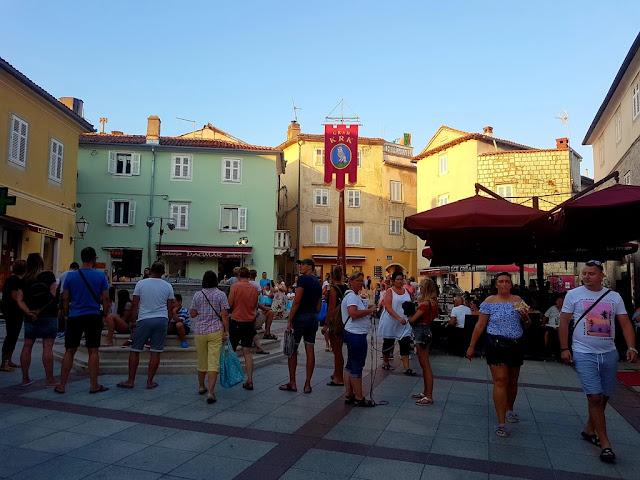 oadtrip-croacia-croatia-camper-niños-nens-children-furgo