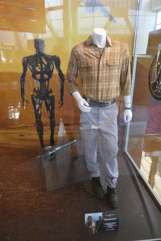 Gabriel Luna Terminator Dark Fate Rev-9 costume