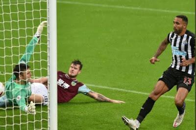 ملخص واهداف مباراة نيوكاسل وبيرنلي (3-1) الدوري الانجليزي