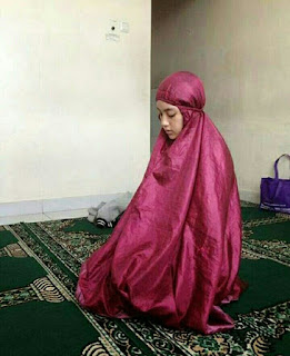Gadis Muslimah Berhijab, Cantik
