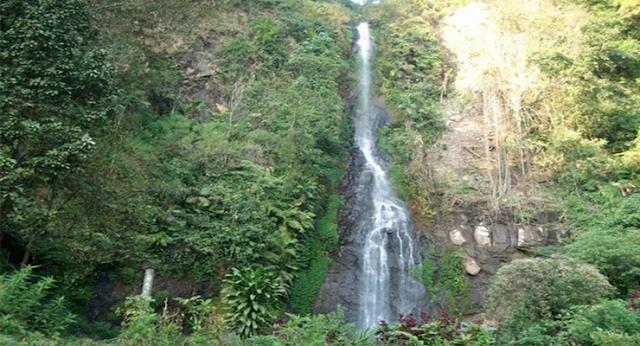wisata hits air terjun Curug Cijalu di subang