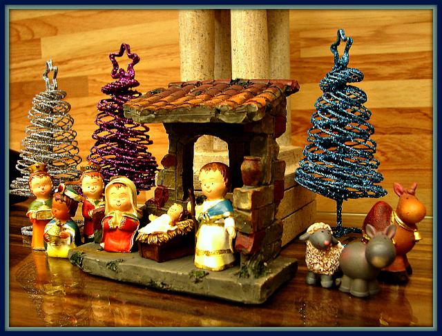 Christmas, nativity scene. Luke 2:11-12, Isaiah 9:6
