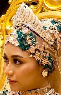 diamond crescent tiara brunei lady dayangku nur izzati binti pengiran abdul wahab
