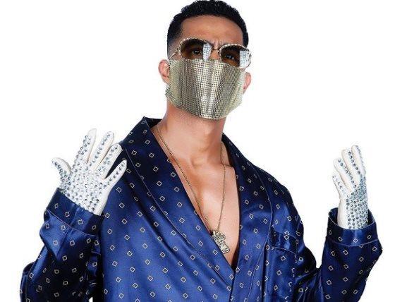 مطرب شعبي يتهم محمد رمضان بسرقة مقطع من أغنية كورونا فيرس
