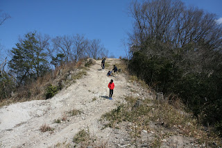 小高い山に登る