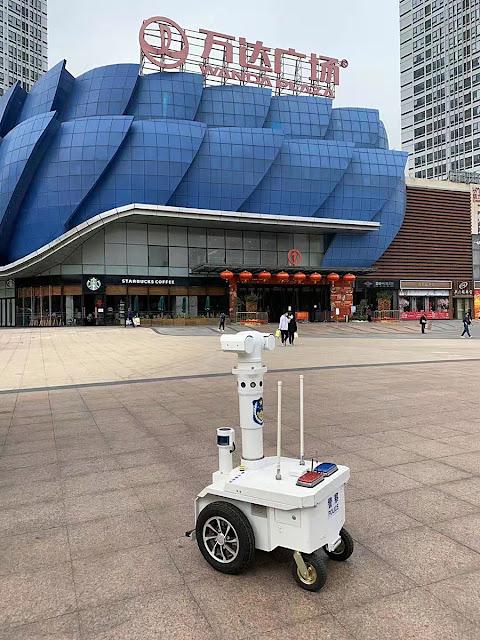 Роботы, коронавирус, Китай, 2020