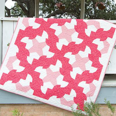 http://www.fatquartershop.com/dizzy-quilt-pattern-68624