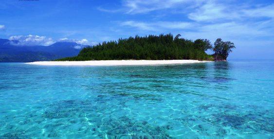 pulau terpadat di indonesia