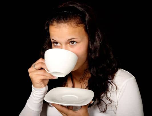 Drinking tea does not make you darker or affect your skin color.