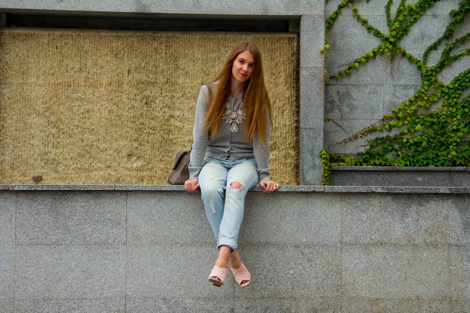 how to wear mules and jeans