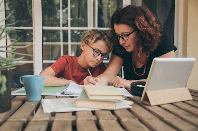 Memahami Cara Mendidik Anak di Era Digital Agar Tidak Salah Asuh