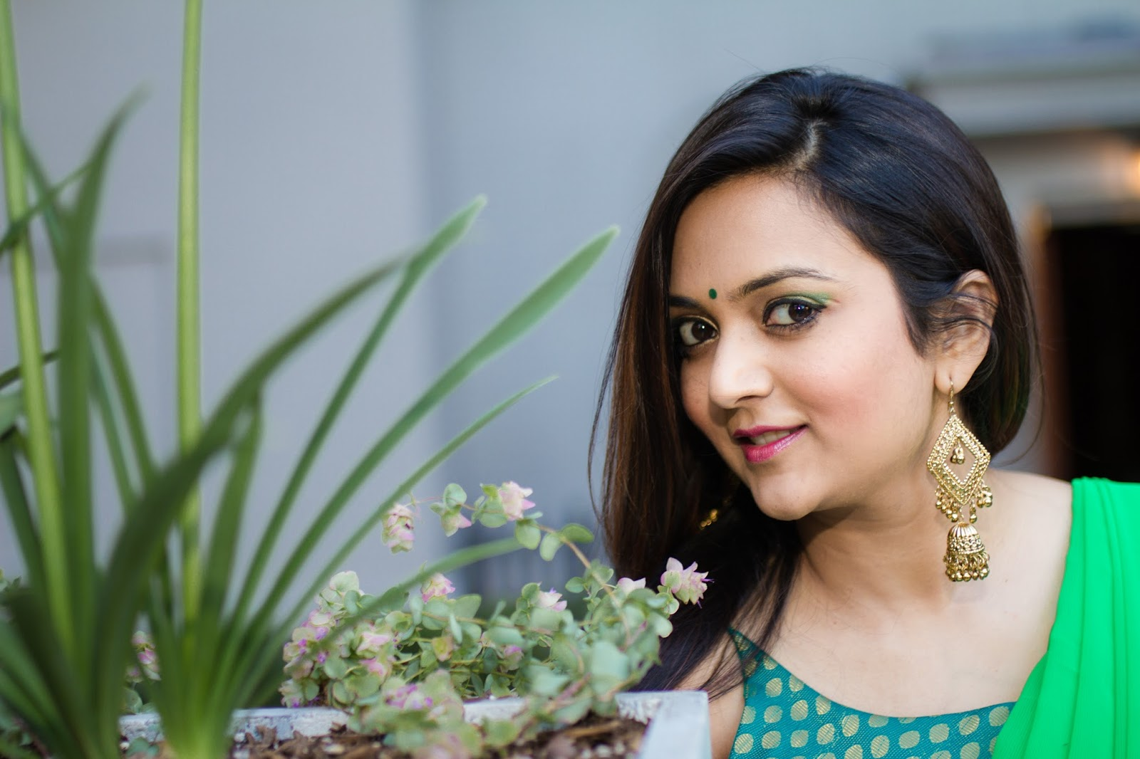 Ananya, ananya tales, south asian blogger, saree fashion, green sari, style blogger, seattle blogger