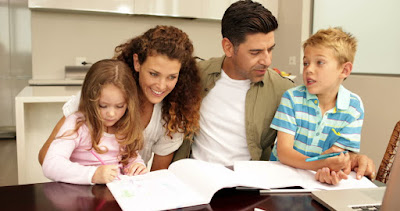 Mengelola Emosi Orangtua saat Bekerja Sekaligus Mendampingi Anak Belajar Dari Rumah