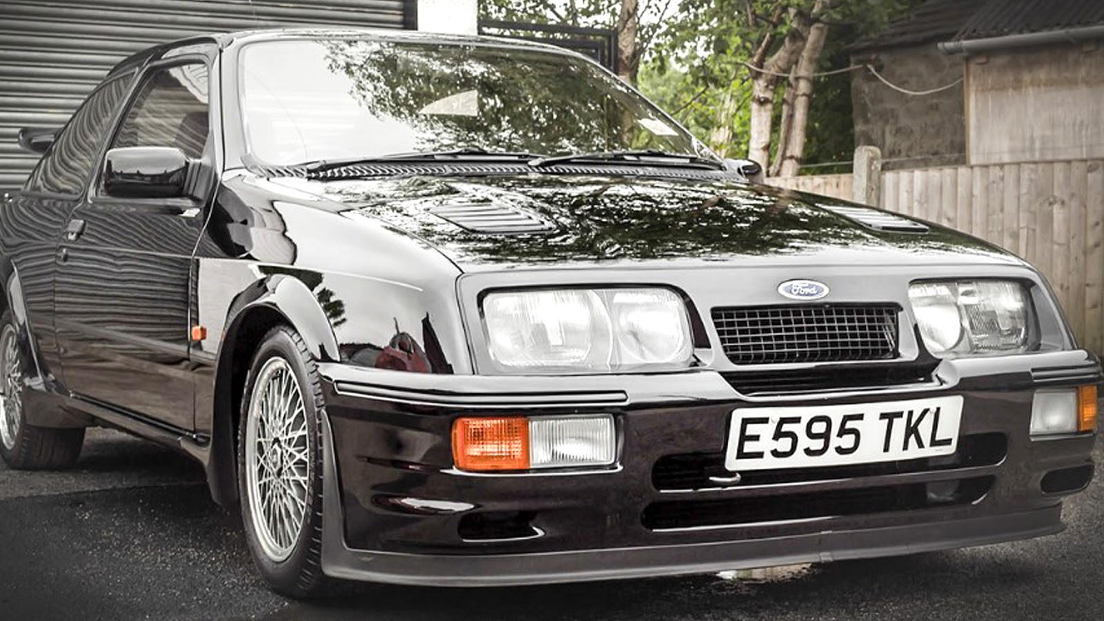 Ford Sierra Cosworth RS500 is sold with only 17,000 kilometers