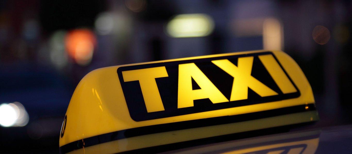 Κορονοϊός: Ταξιτζής στα Τρίκαλα μεταφέρει δωρεάν εφόδια σε ηλικιωμένους