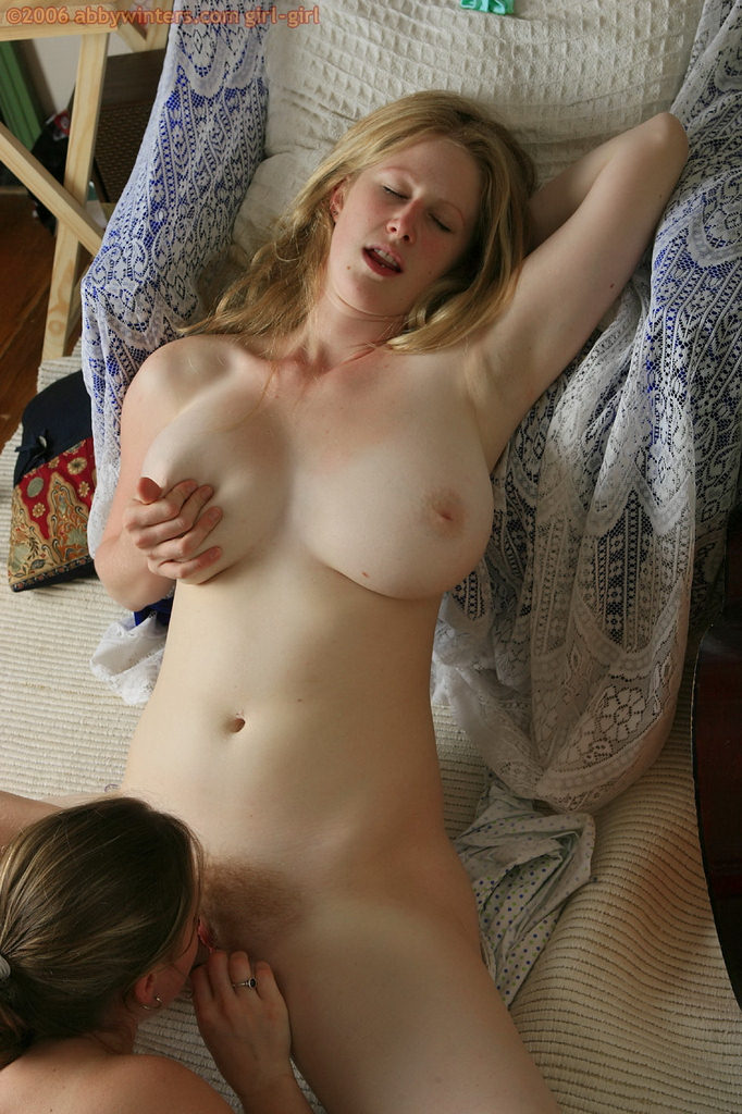 Mature amateur saggy tits