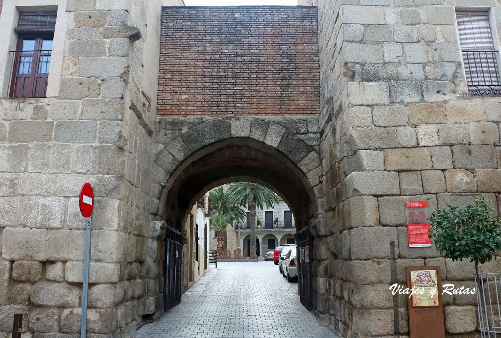 Puerta de San Pedro, Coria