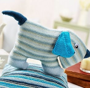 http://www.letsknit.co.uk/free-knitting-patterns/peter-pup
