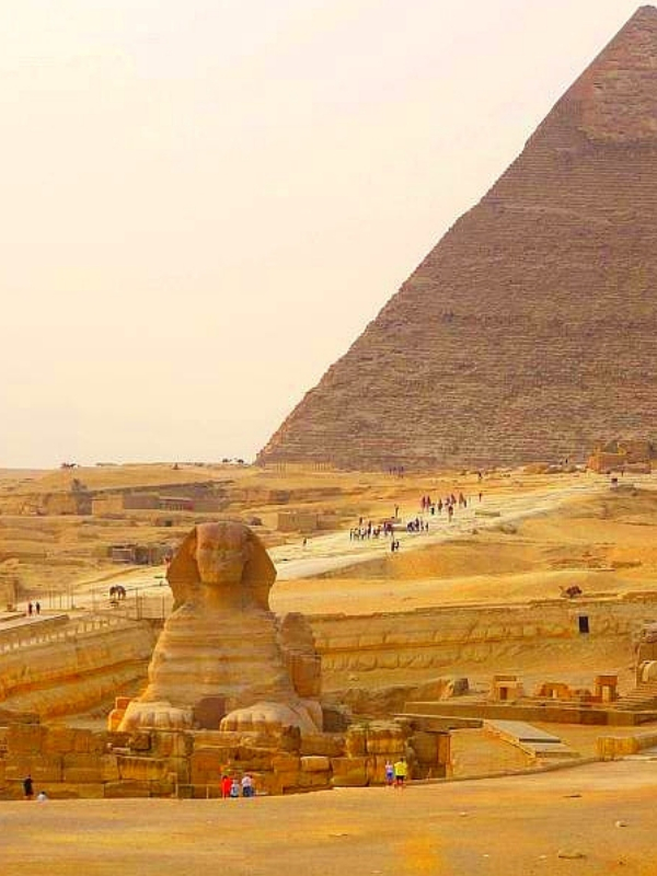 View from Pizza Hut to Sphinx and Pyramid of Khafre