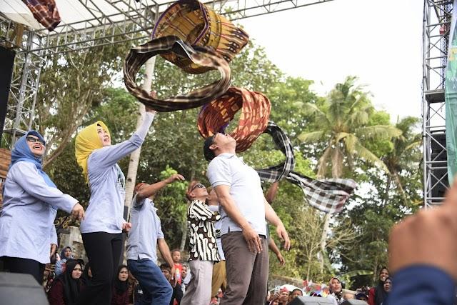 Pemprov Jabar Berkomitmen Melestarikan Permainan Tradisional & Kembangkan Desa Wisata
