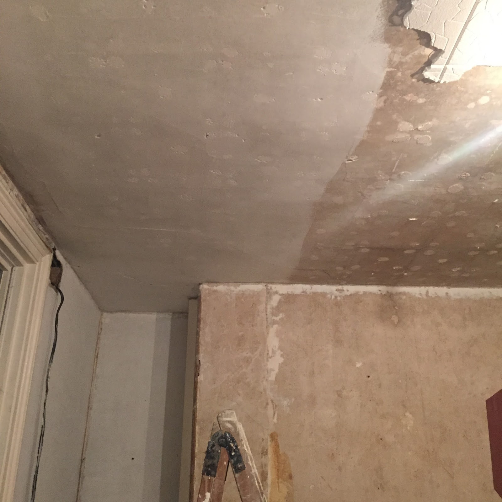 Kezzabeth uk home renovation interiors and diy blog how to repair ceiling after removing tiles dailygadgetfo Gallery
