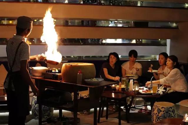 Gueridon service in restaurants