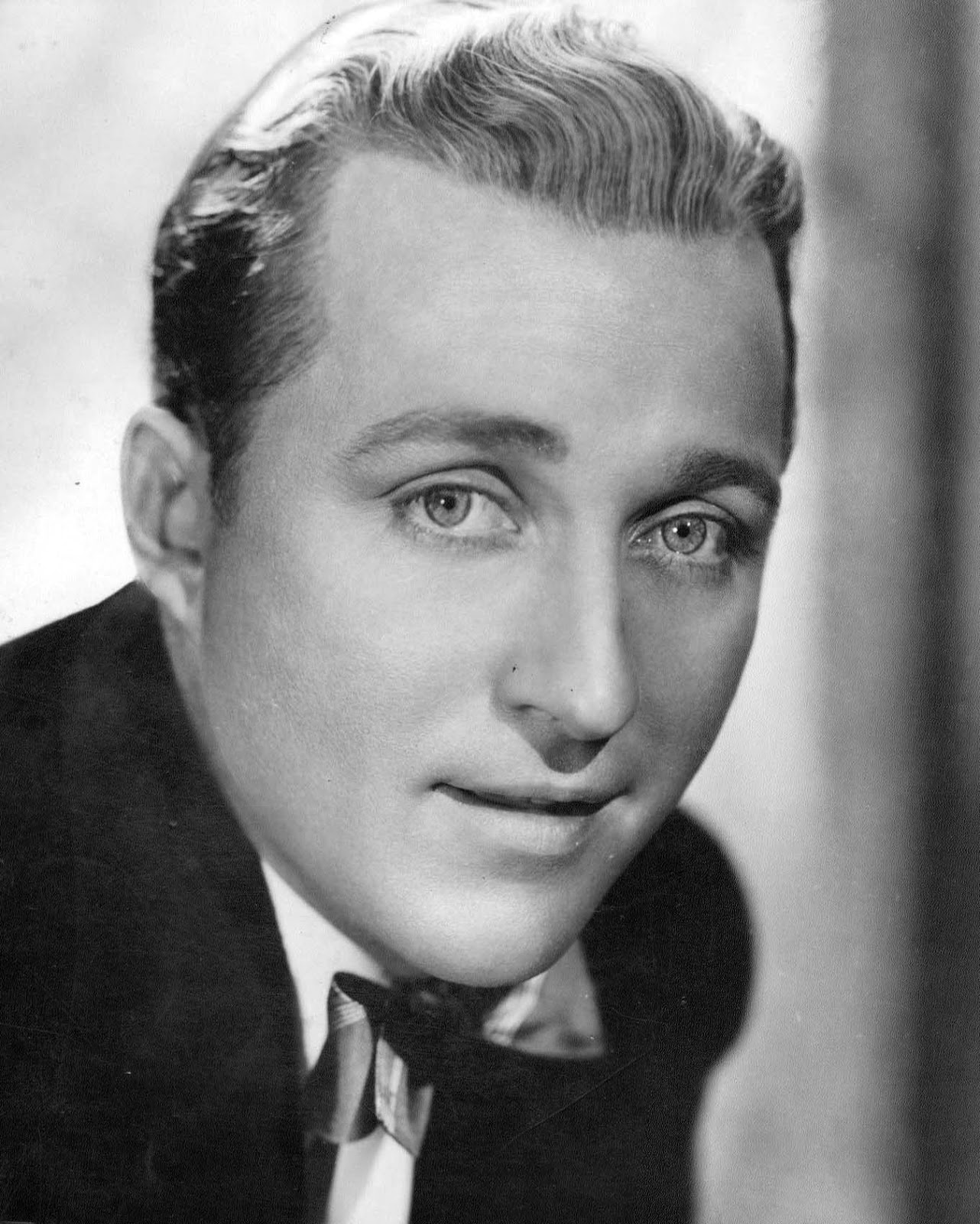Bing Finance: Martin Grams: Bing Crosby And The Business Of Transcriptions