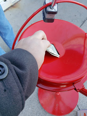 12 Ways to Spread Joy During the Holidays - Red Kettle