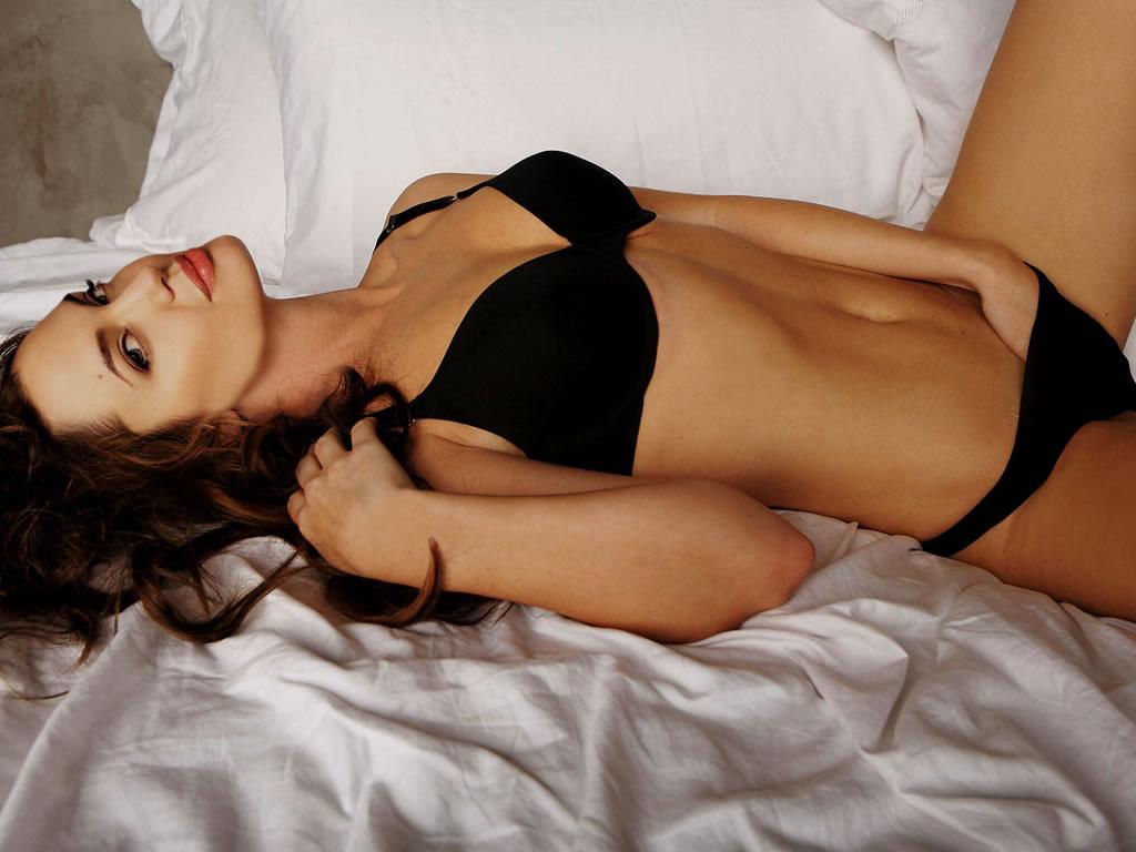 Anjilenajolie Hot Nudi Sexy Pics 70
