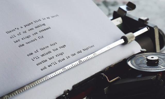 Maquina de escribir poesía