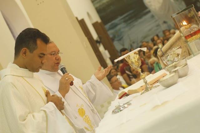 Unidades escolares são homenageadas no 4º dia de festejos para  Santa Teresinha em Elesbão Veloso.