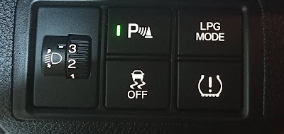 Honda Civic Modellerde Farlar, Sis Farları, Park Sensörü ve Sinyaller Nasıl Kullanılır?