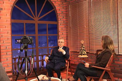Pe. Zezinho durante gravação do especial para a Rádio Aparecida - Carla Souza/Divulgação R.A.