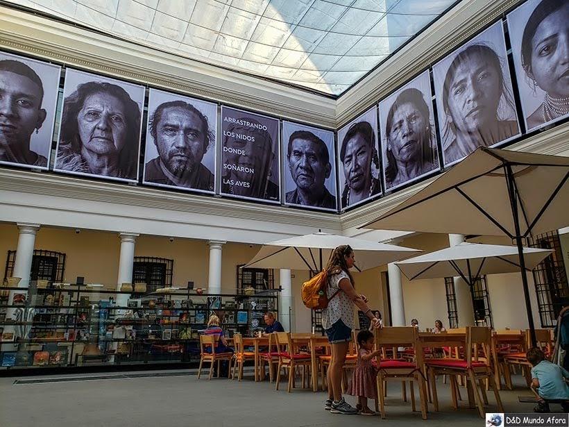 Entrada do Museu Chileno de Arte Pré-colombiana em Santiago