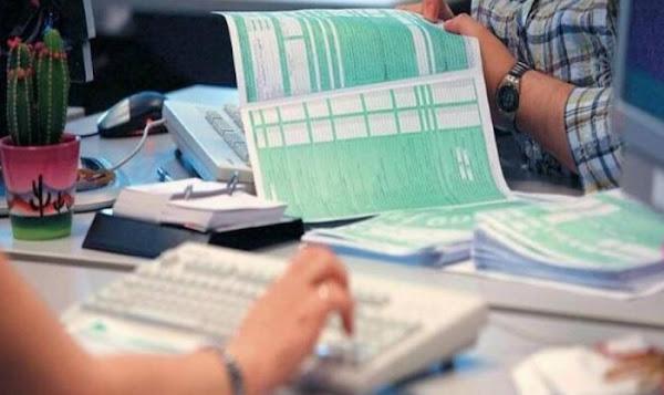 Η μετάθεση της «πρεμιέρας» των φορολογικών δηλώσεων και τα σενάρια του Σεπτεμβρίου