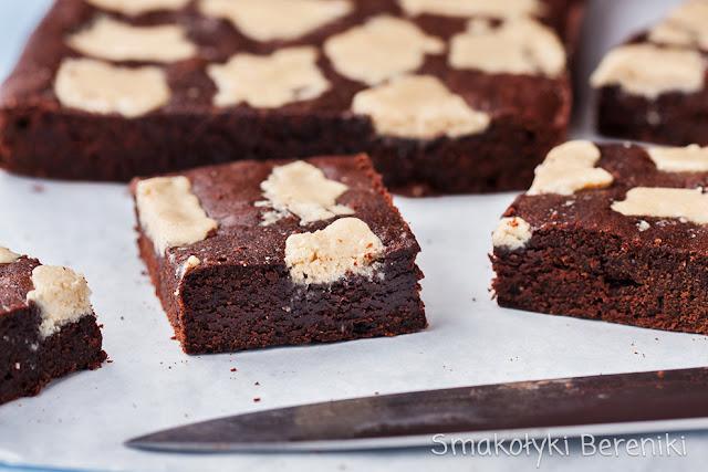 Pyszne brownie z dodatkiem chałwy