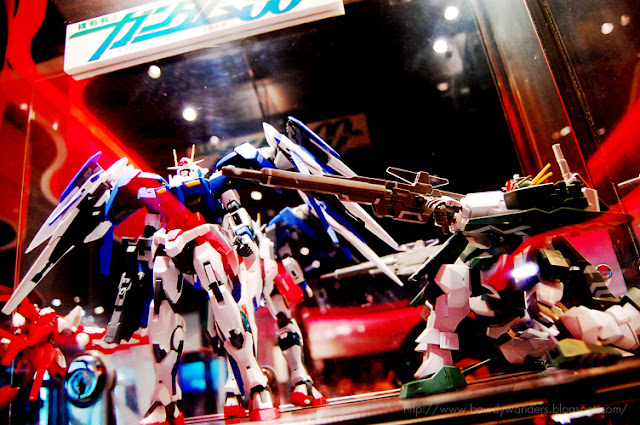 bowdywanders.com Singapore Travel Blog Philippines Photo :: Japan :: Give a Free Reign to the Gundam Cafe, Tokyo