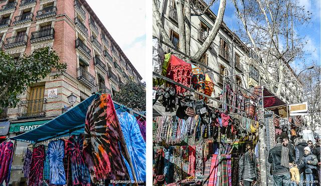 Roupas e acessórios na Feira do Rastro, bairro de La Latina, Madri
