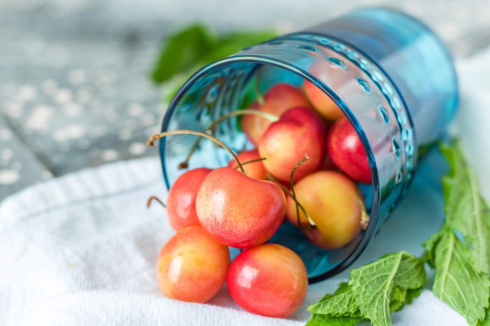 Eating Fruits that helps in hydration